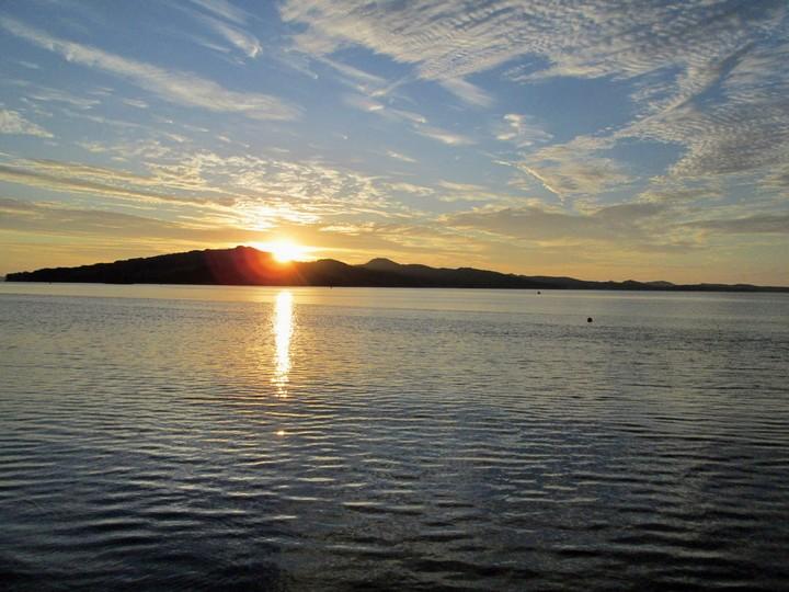 Восход солнца над полуостровом Краббе